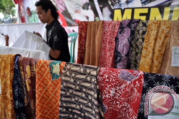 News) – Rumah Batik Danar Hadi Semarang meluncurkan 30 koleksi batik ...